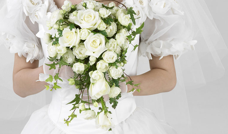 Pure white wedding decoration – slideshow gallery