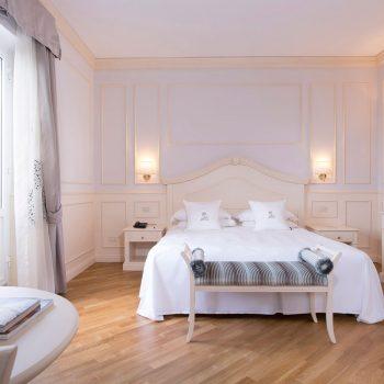 room-(1)